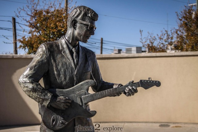 Statue of Buddy Holly